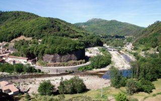 Pont de Labeaume : Coulées Basaltiques