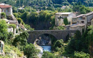 Jaujac : pont du Chastelas