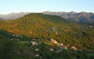 St Cirgues de Prades : vue sur la coupe de Jaujac