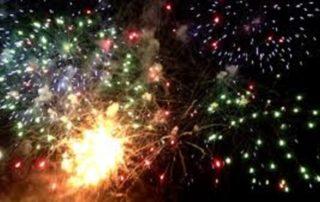 Bal, feu d'artifice, défilé aux flambeaux