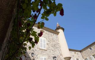 Thueyts - Cour du château de Blou 2©Maëva-Lopez
