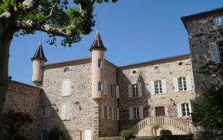 Thueyts - Cour du château de Blou 3©Maëva-Lopez