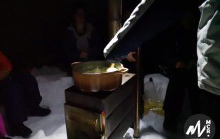 Raquettes et fondue sous tipi ©O.Mathis