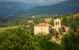 Saint-Cirgues-de-Prades - L'église romane-3 ©S.BUGNON