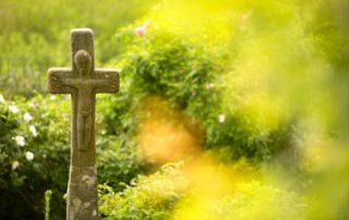 Montpezat-sous-Bauzon - Croix à la Roseraie de Clastres ©S.BUGNON
