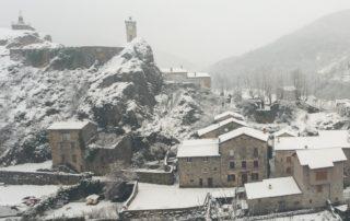 Burzet - Le Village en hiver-zoom statue de la vierge ©S.BUGNON