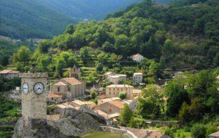 Burzet - Tour de l'horloge et vestiges du château féodal ©OTASV