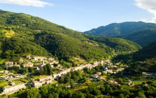 Dorf von St Pierre de Colombier
