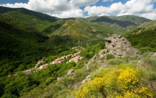Randonnée à Mayres : Le Rocher d'Abraham
