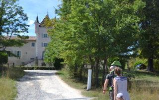 Sentier vers Rochemure
